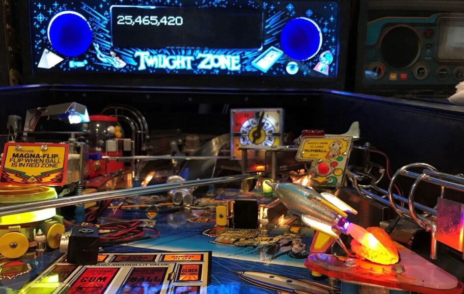Twilight Zone TZ Pinball Machine Flying ROCKET w/SMOKE LED ...